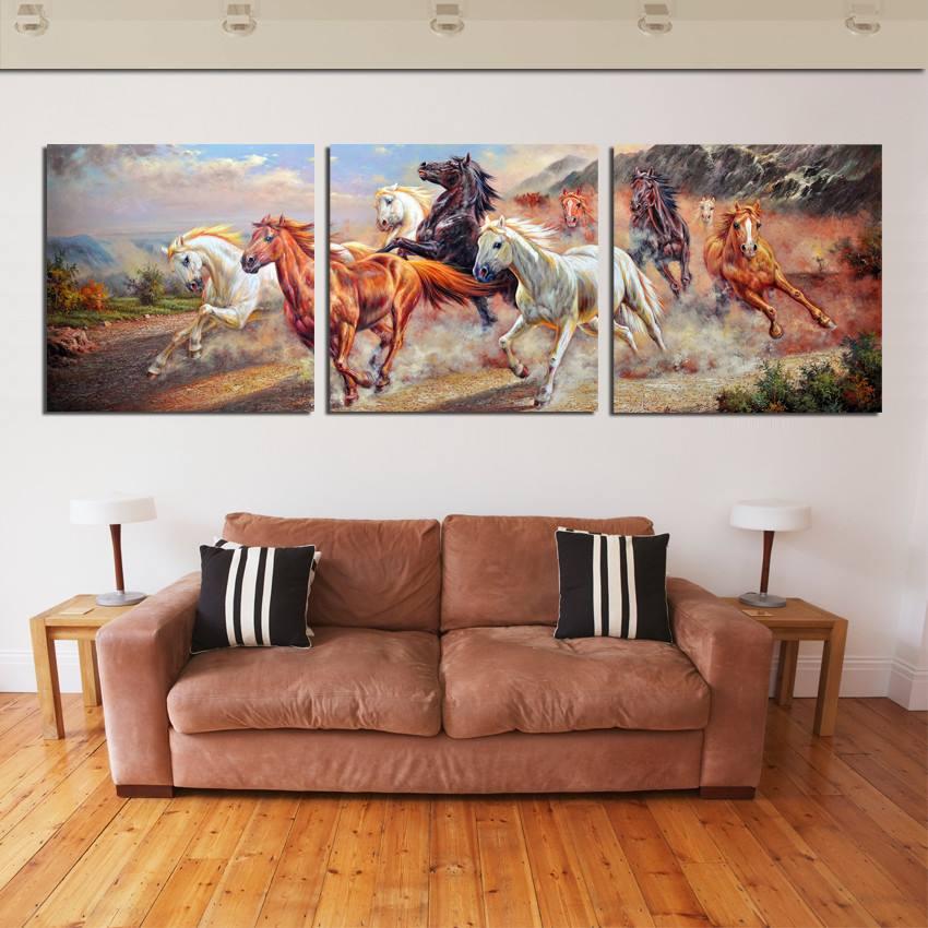 """Tranh bầy ngựa mang ý nghĩa """"Mã đáo thành công"""" mọi sự điều may mắn"""